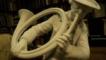 Statueta de portelan Biscuit Sevres, Gonas la vanatoare
