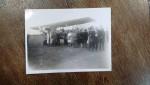 Fotografie de grup pe aerodrom
