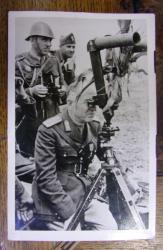 FOTOGRAFIE TIP CARTE POSTALA - MARESALUL ION ANTONESCU PE FRONTUL BASARABEAN (1941)