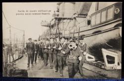 Garda de onoare defiland pe puntea unui cuirasat francez - CP Foto