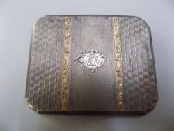TABACHERA DE ARGINT GRAVATA CU INSEMNELE ''E.M.'' STANTATA 900, 148.4 GRAME