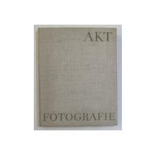 AKTFOTOGRAFIE von HELLMUTH BURKHARDT , 1958