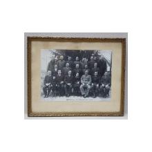 BARZAVA , FOTOGRAFIE DE GRUP , MONOCROMA , INRAMATA , DATATA 24 DECEMBRIE 1937