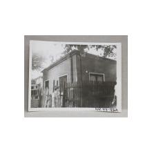 CASA DEMOLATA , STR, SEBASTIAN NR. 93  , BUCURESTI, FOTOGRAFIE MONOCROMA, PE HARTIE LUCIOASA , ANII '70  - '80