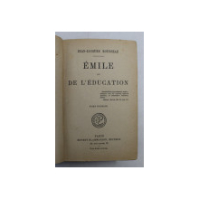 EMILE OU DE L ' EDUCATION par JEAN - JACQUES ROUSSEAU , 1946