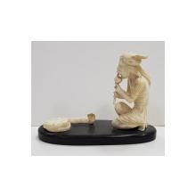 Fachir cu cobra, Miniatura din fildes, Secol XX