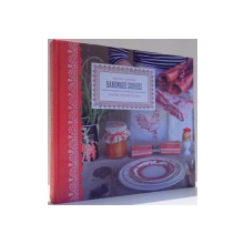 HANDMADE SOIREES, SIMPLE PROJECTS FOR SPECIAL OCCASIONS by KAARI MENG, PHOTOGRAPHS by JON ZABALA , 2009