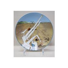 'Martian Dali cu un microscop dublu holo-electric', Farfurie din portelan Limoges