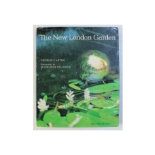 THE NEW LONDON GARDEN by GEORGE CARTER , photography by MARIANNE MAJERUS , 2000